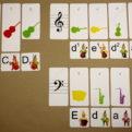Tónová sústava - ukážka autokorekcie (noty v husľovom a basovom kľúči) - rub hlavných kariet s kontrolnými značkami - správne riešenie